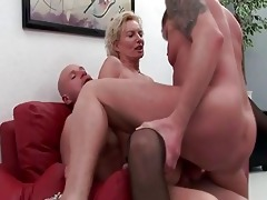 old whore receives permeated by hard cocks