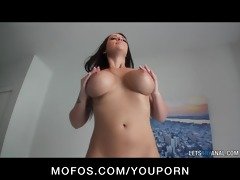 big-boobed dark brown girlfriend melina mason