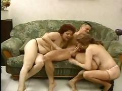 8 friends - old ladies