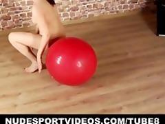 undressed teen angel exercises her hawt body