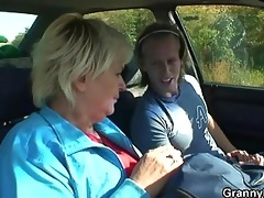 old slut acquires nailed in the car by a stranger